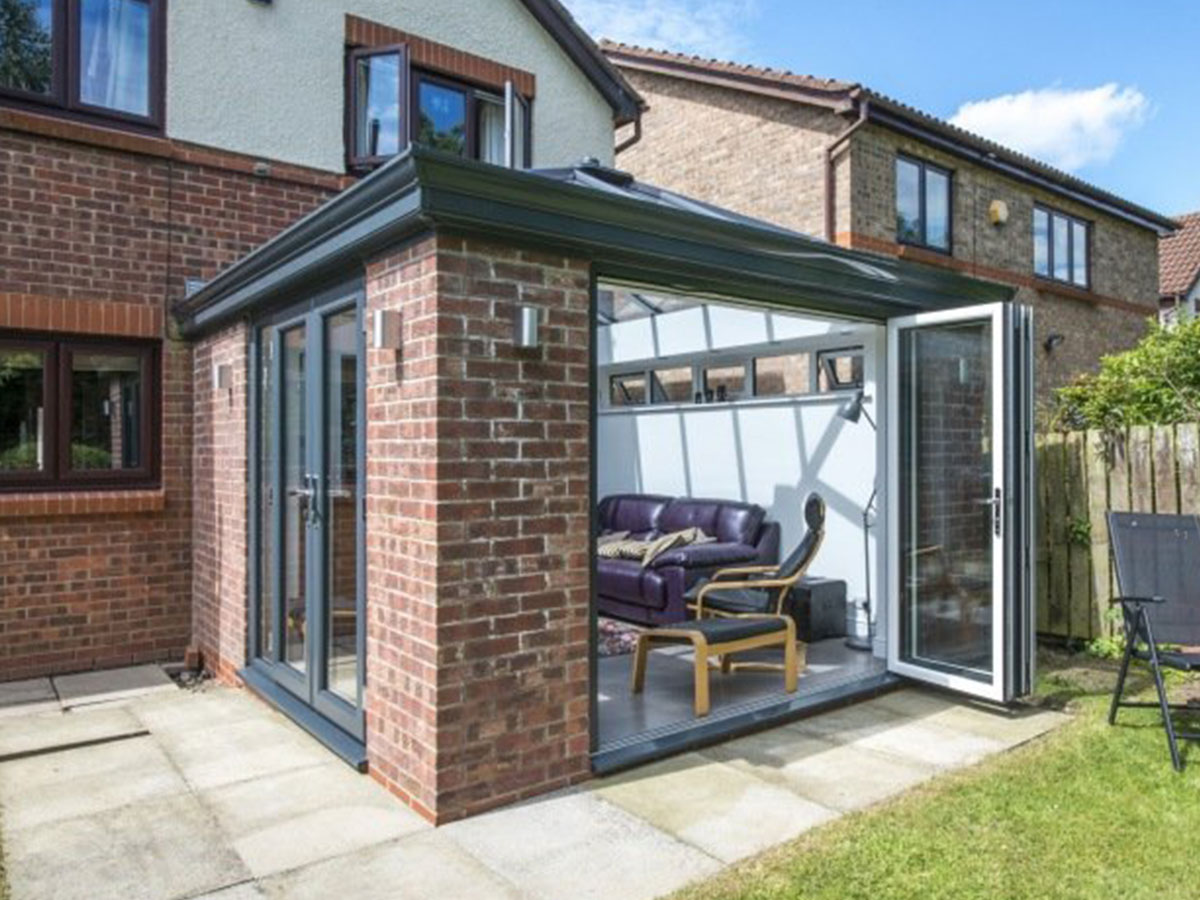 bi-fold doors on conservatory in Oxford
