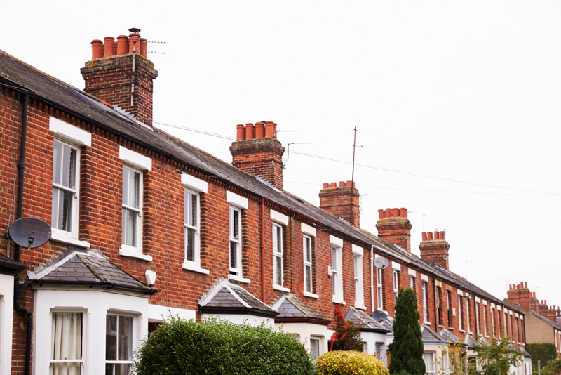 row of terraced houses in oxford with sash windows